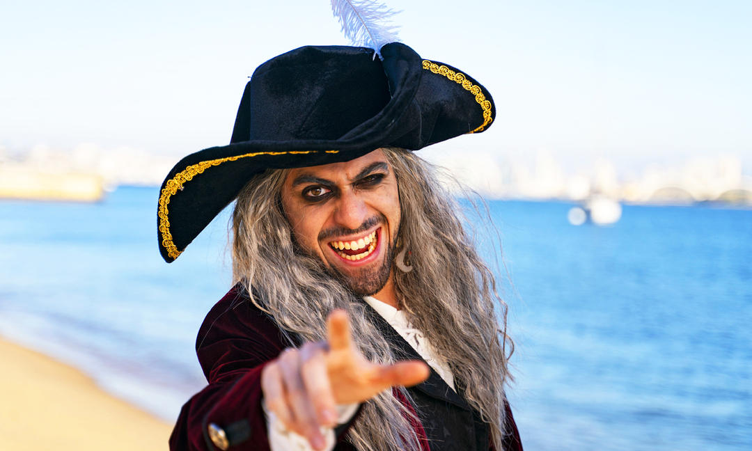 """Ye all need to spread the word, """"Ahoy there, #ThatsMyBay, and I'm going to keep marine debris out of the sea!"""""""