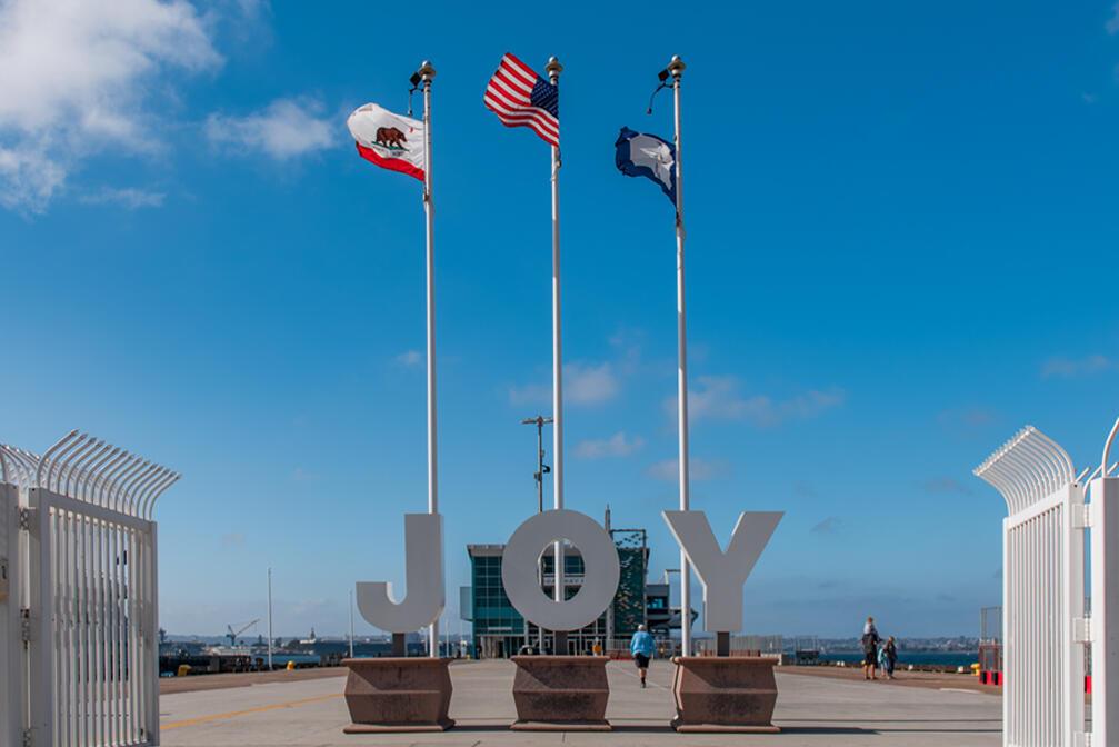 JOY Sculpture installed during holiday season at the Broadway Pier