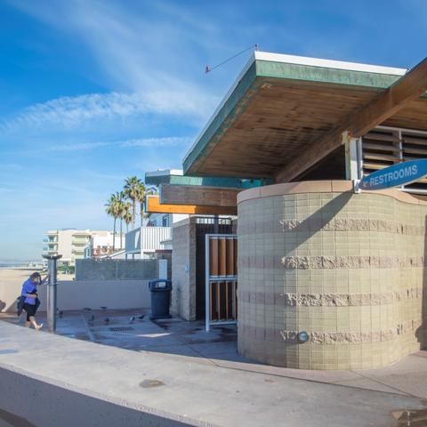Restroom and outdoor beach shower at Portwood Pier Plaza at the Port of San Diego